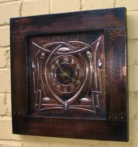 13261_arts-and-crafts-wall-clock
